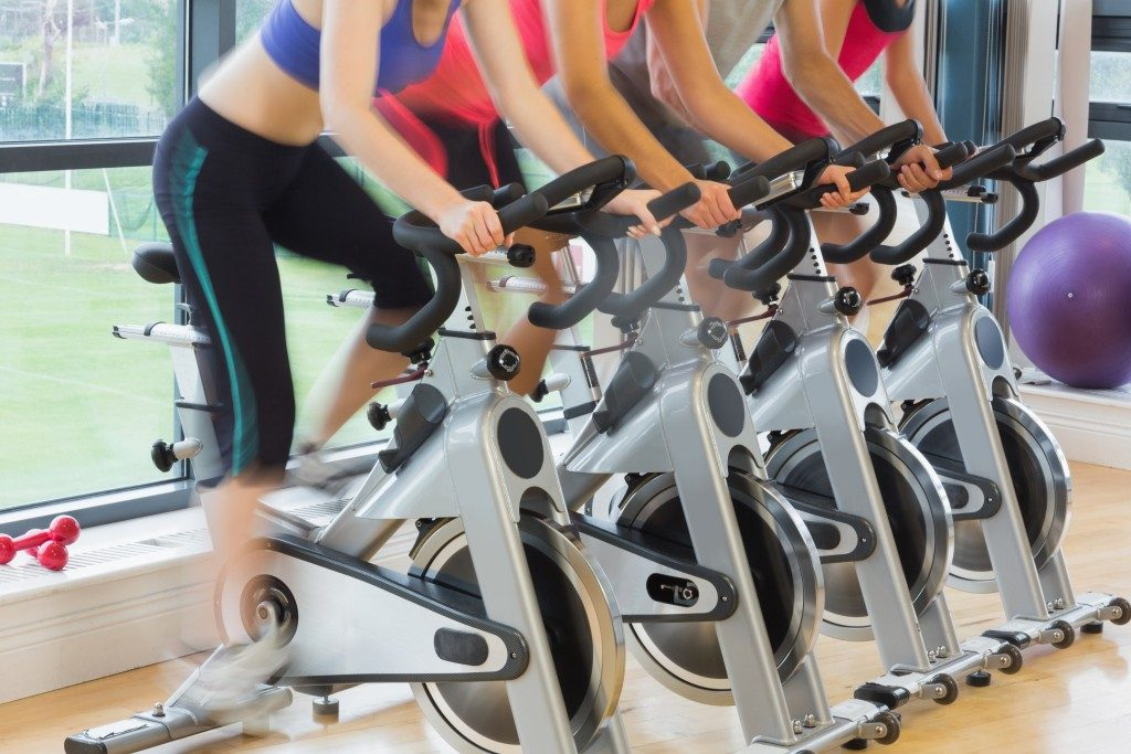 exercise bike class in gym