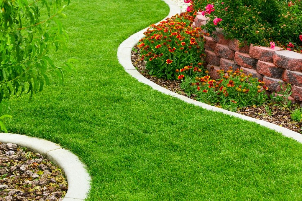 Should You Go With A Modern Or Contemporary Landscape Design