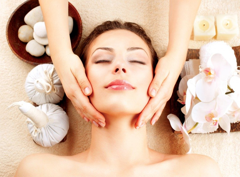 woman at the spa getting a massage